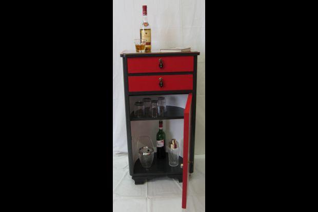 Bild 4 von 6: Barschrank gefertigt aus 2 Nachttischen der 50er-Jahre