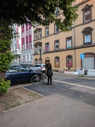Bild 3: Einzige Abstellmöglichkeit: Straßenschild