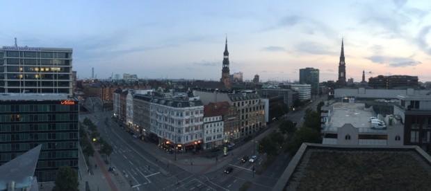 Bild 3: Blick über das Katharinenviertel auf den Hafen