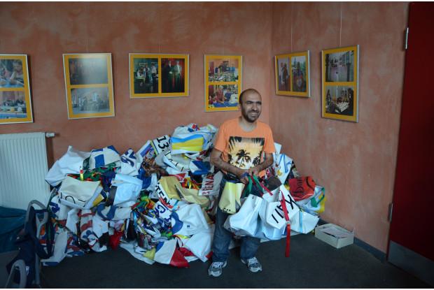 Bild 14: Alte Banner werden Taschen - Upcyclingprojekt