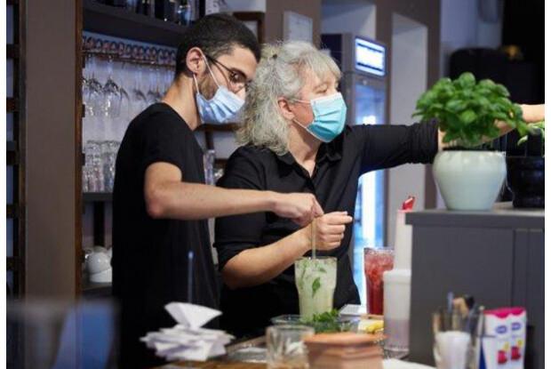 Samir und Alice, Personal im Café InSide
