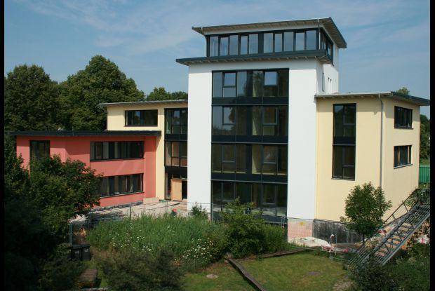 Bild 1 von 3: Nachhaltig gebaut: Im Norddeutschen Zentrum für Nachhaltiges Bauen wird informiert und geschult, geforscht und das umweltbewusste  Bauen vorangebracht
