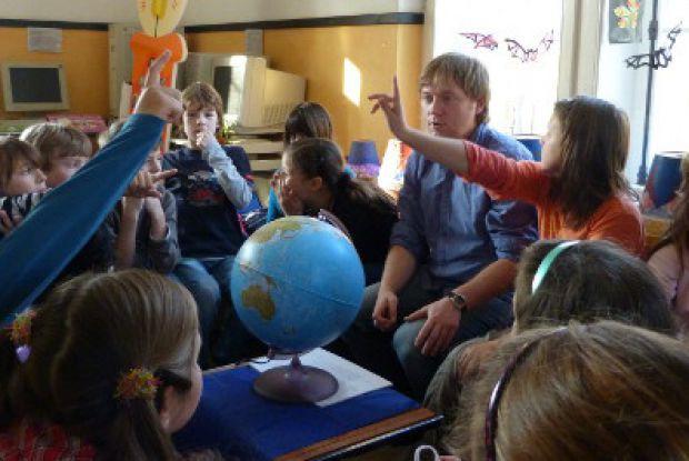 Bild 1 von 3: Kinderrechte, Menschenrechte - Richter gehen in die Schulen